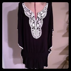 Style & Co embroidered top size L